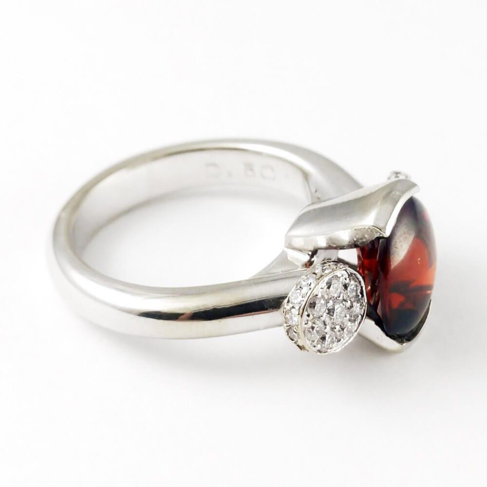 Garnet Ring R859 Facing Right