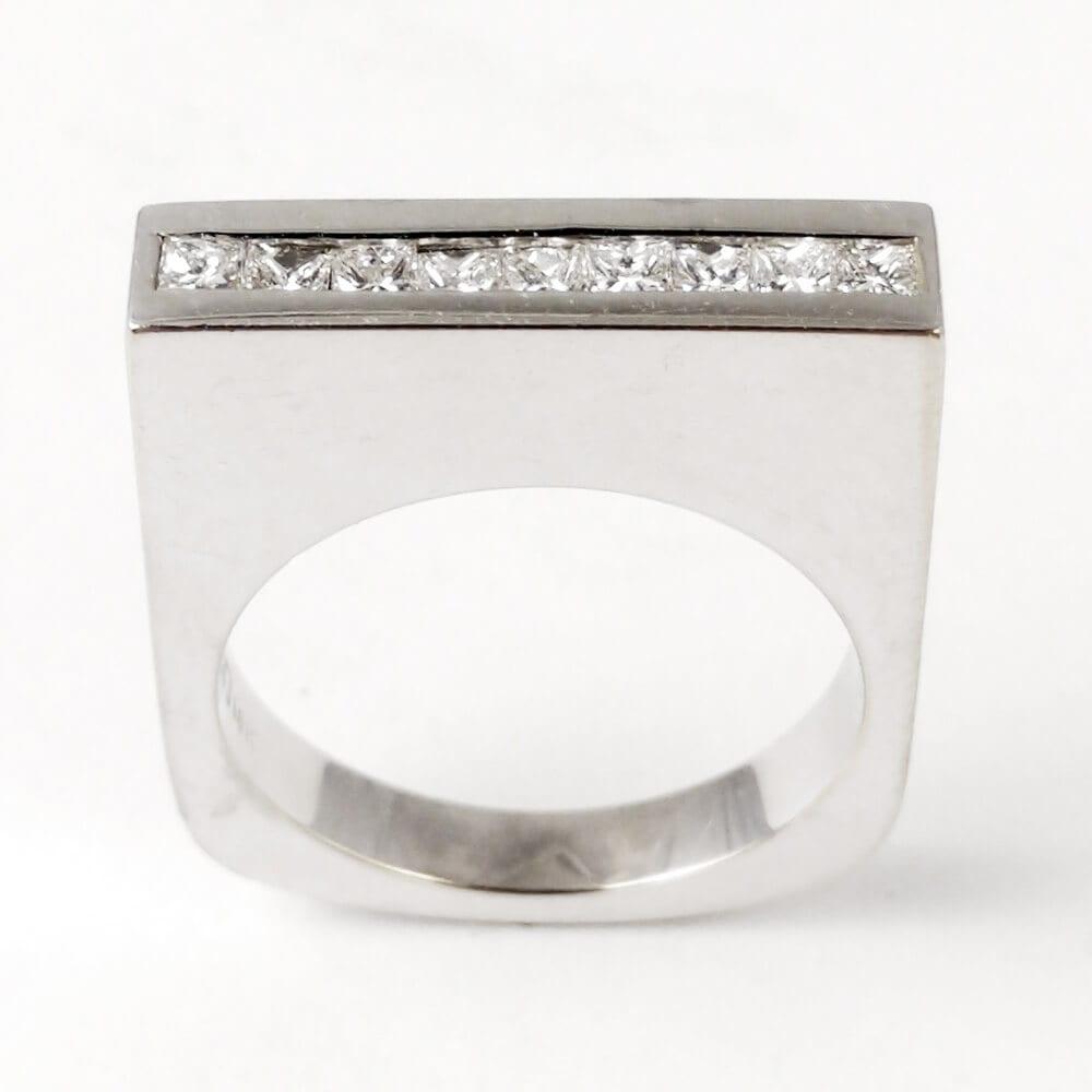 18KW Modern Diamond Ring R695