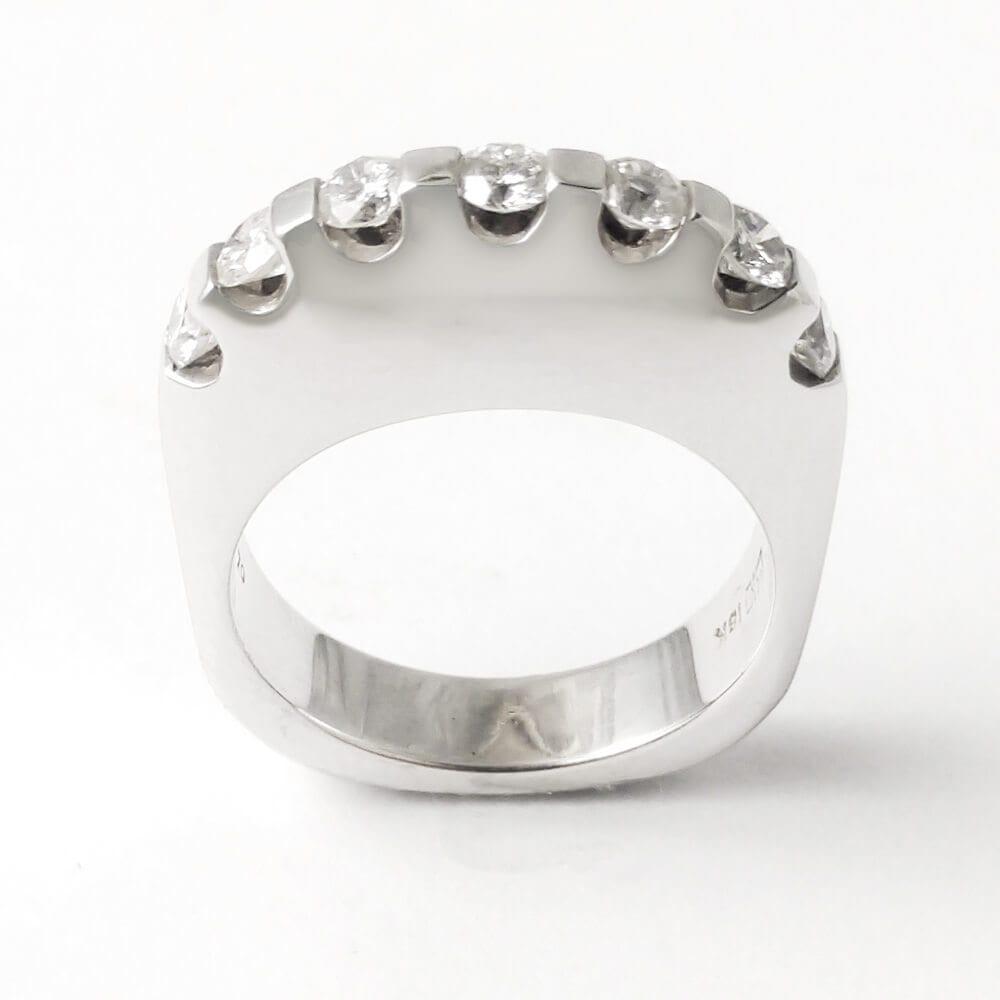 18KW Contemporary Diamond Ring R744